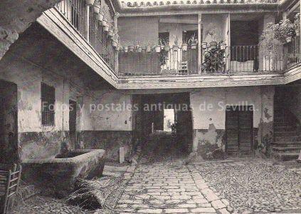Corral Calle Castilla. Triana