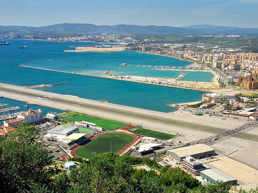 Frontera La Linea con Gibraltar