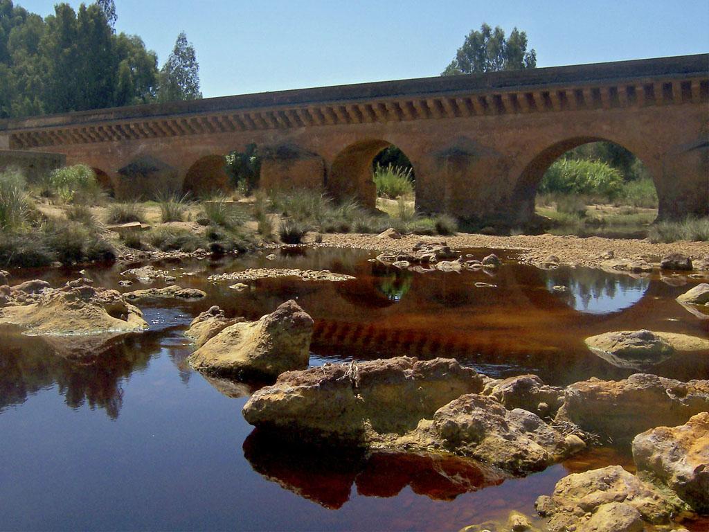Puente romano sobre el Río Tinto