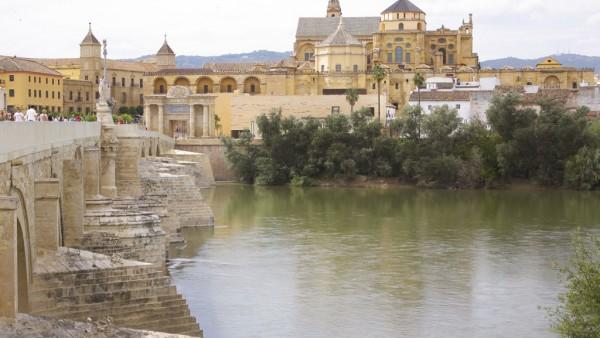 4. Puente Romano y Mezquita